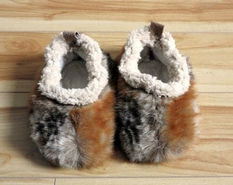 Fluffy faux fur slippers