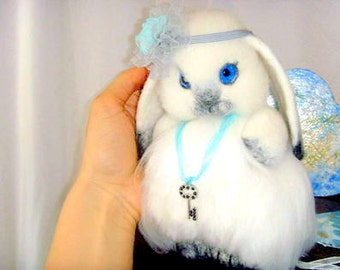 Needle felted white  Bunny. Miniature white Bunny. Little rabbit. Handmade bunny. Felt toy white Bunny. Bunny as a gift. Animals Bunny .