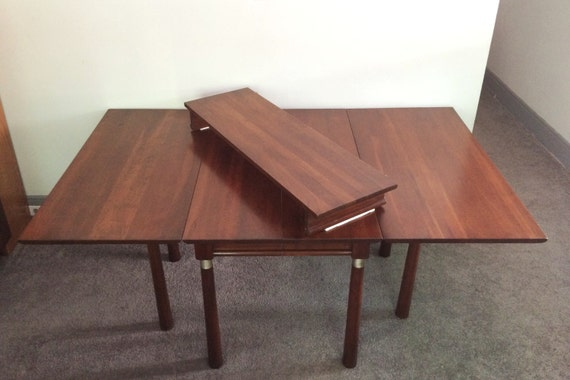Willett Trans East Collection Dining Table With Leaf Solid