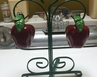 Vintage apple salt & pepper shakers w/ stand