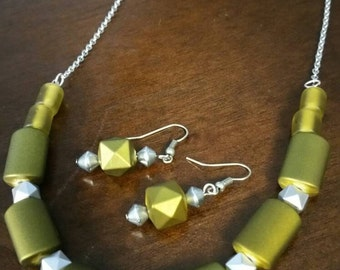 Olive green matte beaded statement necklace and earring set