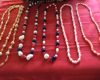 Lot of 17 pieces of Vintage Jewelry