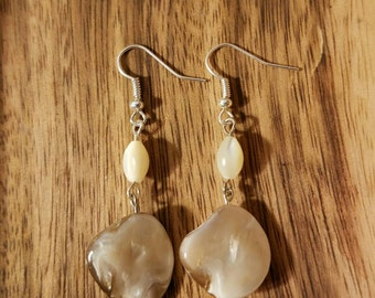 Cream Shell Earrings