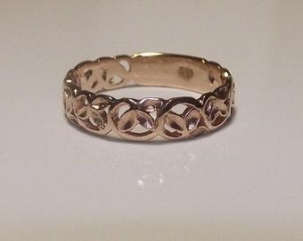 Carved Filigree Ring, Leaves Design, Solid Gold, Rose Gold.