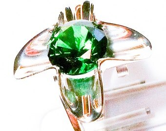 Handmade sterling silver .925 ring with emerald cz