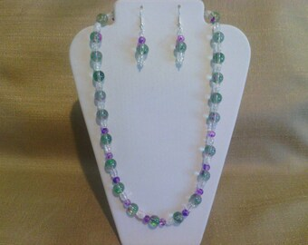 230 Lovely Green and Violet Spray Painted Glass Beaded Choker