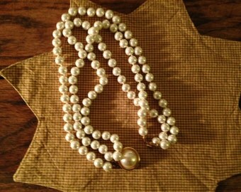 Vintage Pearl Necklaces