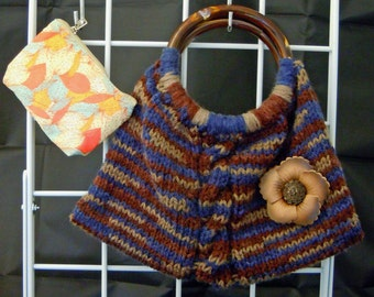 Knitted Tote with Pouch 9