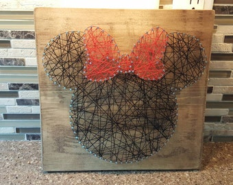 Minnie nail string art