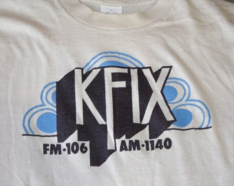 Kansas City KFIX FM 106 AM 1140 Radio Station Vintage Bantams Brand T-shirt Tan Medium
