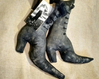 primitive witch boots, primitive, boots, mixed media witch boots