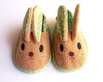 Elastic Baby Booties - Chubby Bunny 09