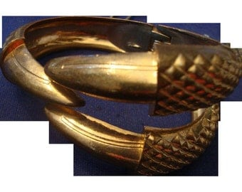 VINTAGE bronze tone clamper bracelet with an eagles claw
