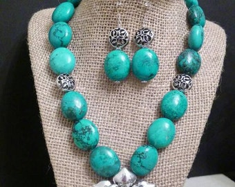 B40 blue green turquoise necklace set