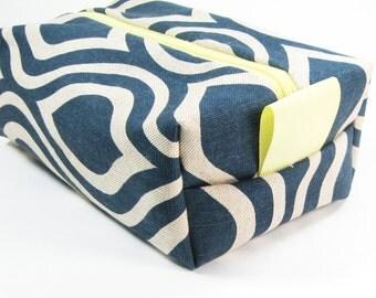 Makeup Bag / Cosmetic Bag/ Travel Bag / Toiletry Bag - Navy Blue Mod