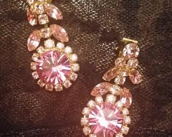 stunning pink rhinestone vintage clip earrings