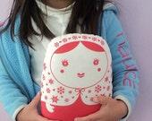 carminita snowflake --- matryoshka doll grande-- red n white -- handproduced-- (ship in 3 days)