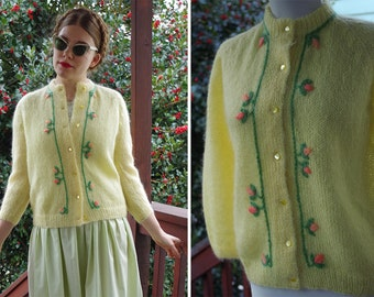 Rosebud 1950's 60's Vintage Pastel Yellow Wool + Mohair Cardigan Sweater with Pink Roses // size Medium