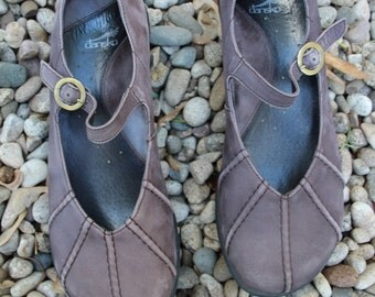 VINTAGE brown leather DANSKO womens shoes EUR size 41