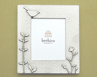 beehive meadow picture frame (vertical)