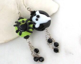 Halloween Earrings, Ghost Earrings, Spider Earrings, Cute Halloween Jewelry, Spooky Jewelry, Autumn Art Glass Earrings, Glass Bead Earrings
