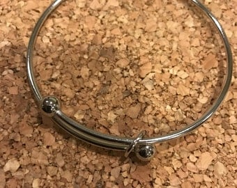 Silver plated expandable bangle bracelet