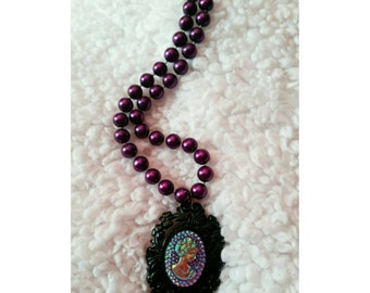 Iridescent Lolita Cameo Black Purple Pearl Necklace