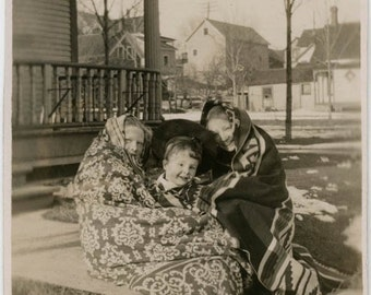 vintage photo 1914 Little Girls Boy Wrapped up in Indian Blanket in cold Winter