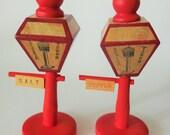 Vintage Niagara Falls Salt and Pepper Shakers Wooden Street Lights Lanterns