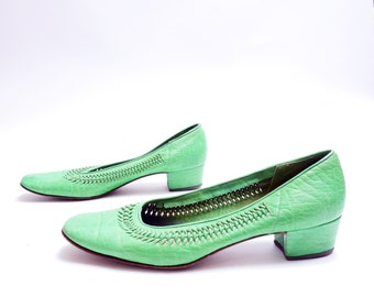 Vintage 60's Apple Green Leather Shoes// Leather Woven Slip-On Loafers//Made in Italy//  7 1/2M 8 narrow size