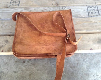 "11"" Leather messenger bag"