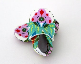 SWAG booties Infant Soft Soled Shoes Amy Butler Harriets kitchen Sugar slippers boy girl infant newborn baby toddler shower gift floral