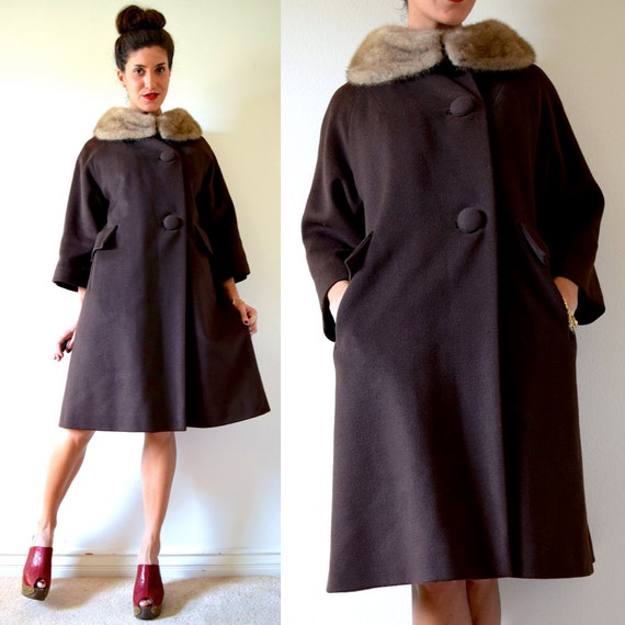 SPRING SALE/ 20% off Vintage 60s MOD Chocolate Brown Wool Fur Collar Three Quarter Sleeve Coat (size xs, small)