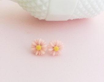 Daisy Earrings, Pretty in Pink Pin Up Earrings, Fashionable Trendy Flower Girl Gift, Boho Style Daisy Posts