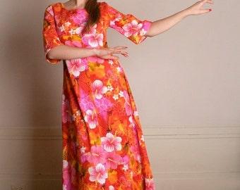 ON SALE Vintage Hawaiian Maxi Dress - 1960s 1970s Neon Bold and Bright Cotton Vacation Dress - Medium
