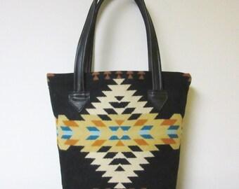 Wool Bucket Bag Purse Tote Bag Black Leather Southwest Rancho Arroyo Wool from Pendleton Oregon 5 Pockets