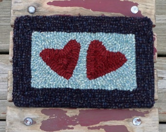 Primitive Hand-hooked Rug - Wool Folk Art Hearts Tile - Rug Hooking Mat (Free Shipping in USA)