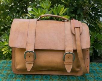 Vintage Tan  Large Attache Shopper Leather Messenger Briefcase Work Satchel Bag Purse Crossbody Backpack