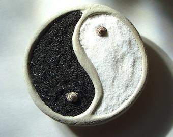 Zen Garden. Yin Yang. Concrete . Bowl