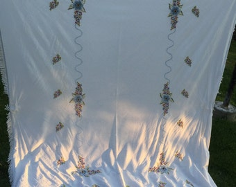 Vintage White Twin Coverlet or Bedspread with Candlewick Embroidery Flowers and Fringe