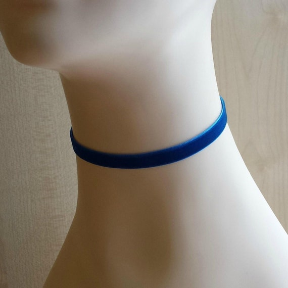 Minimal Blue Velvet Choker, 10mm