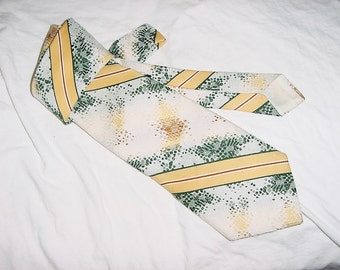 Vintage 70s Yellow Green White Diagonal Stripe Poly Wide Tie