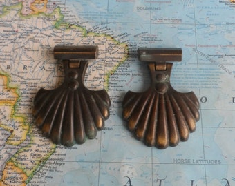 SALE! 2 vintage shell shaped brass metal pull handles