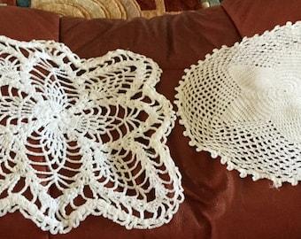 Doiley White - set of 2