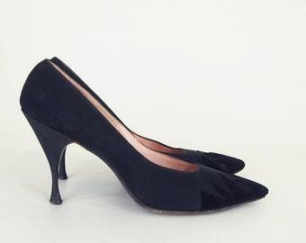 50s Black Flame Toe High Heel Pumps - Mijji Fiddle Shoes 7 1/2 AA