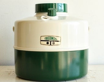 Vintage water jug - Thermos - picnic jug - one gallon - hot cold - spout - water cooler - green white - NOS