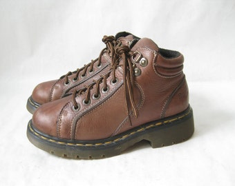 Vintage DOC MARTEN Made in England Lace Up Boots. Size  4 UK// Size 6 U.S. Women's