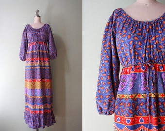 1970s Dress / Vintage 70s Cotton Maxi Dress / Off the Shoulder Bohemian Peasant Dress