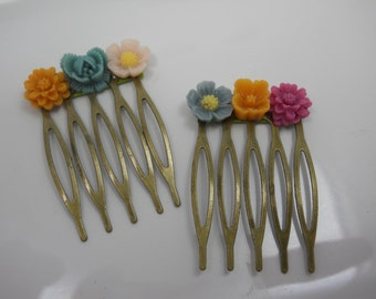 Flower Combs Dainty Small Children's Hair Accessory Flower Girl Brass Combs with Colorful Festive Flowers Wedding Child Flower Girl Hair Pin