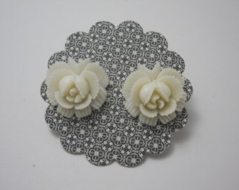 Vintage Japanese Flower Post Earrings Molded Celluloid White Rare 1940's Stainless Steel Post Earrings Wedding Jewelry Bridal Jewelry